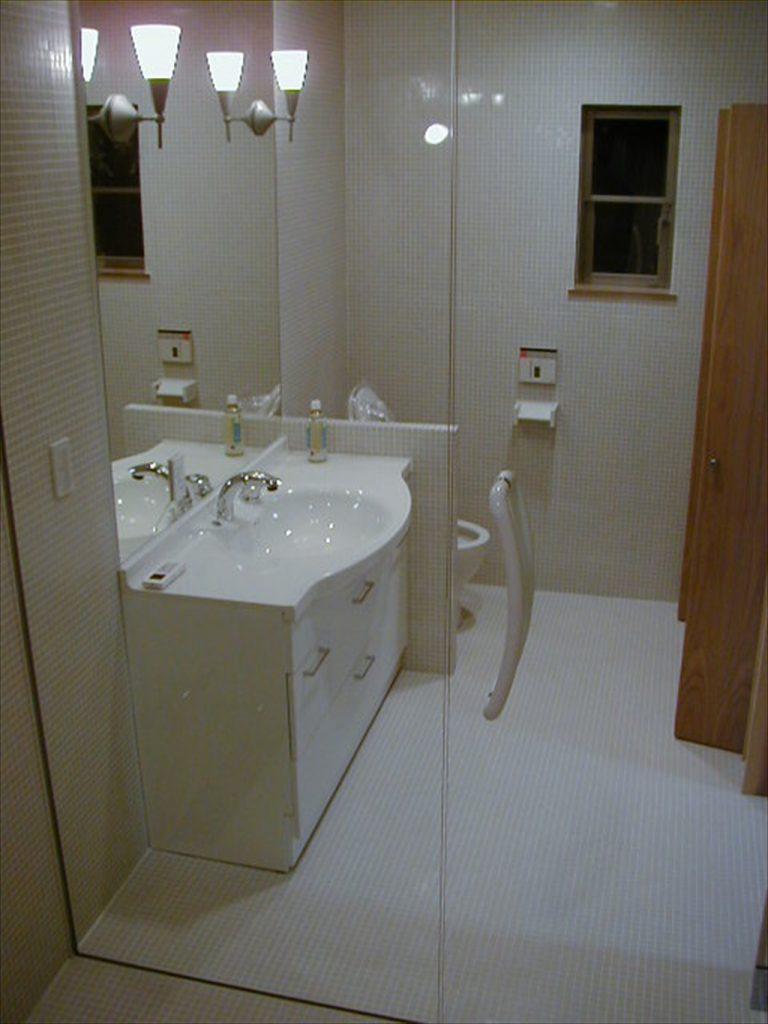 トイレ、洗面、浴室